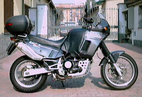 Cagiva 900-Ie-Gt 1991-1993 Service Repair Manual